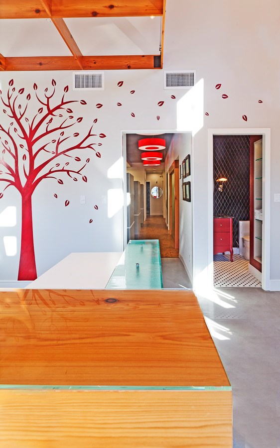 Red Tree Dental entrance, Fairview